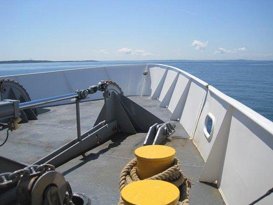 Cross Sound Ferry: Bow