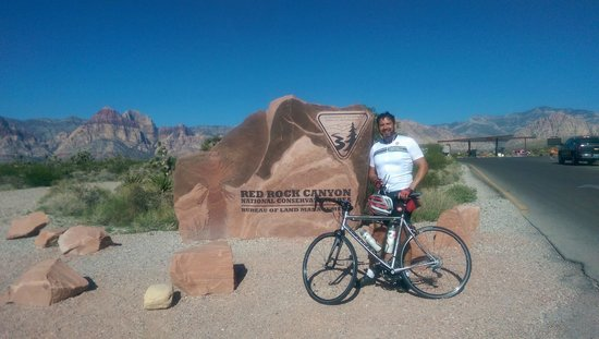 McGhie's Guided Bicycle and Hiking Tours : Red Rock Canyon pic