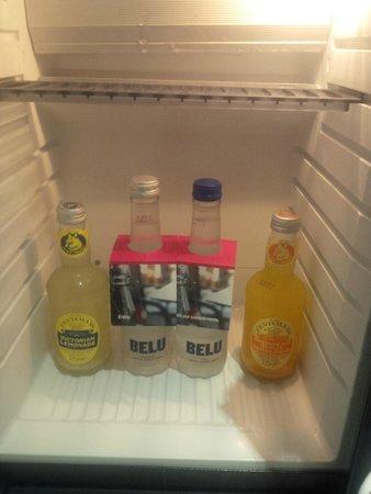 Hotel Indigo London Kensington: free fridge drinks