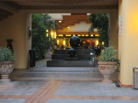 Hotel Riu Santa Fe: Hotel Lobby