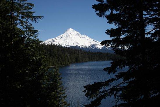 Hood River, Oregón: Mount Hood over Lost Lake