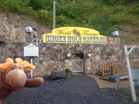 Smoke Hole Caverns: Entrance to cavern