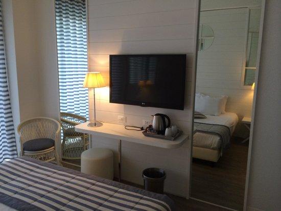 Hotel Panorama : Mega schermo tv con Sky !
