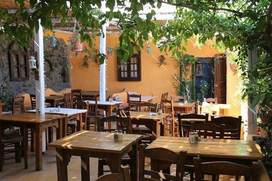 Kapari Taverna
