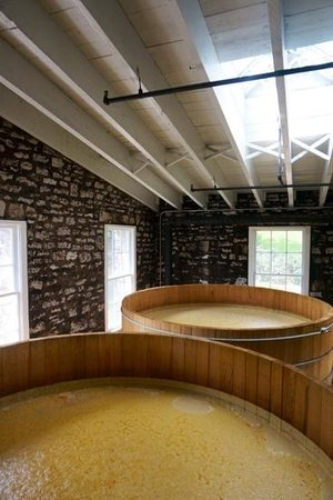 Woodford Reserve Distillery : fermentation tanks full and, well, fermenting