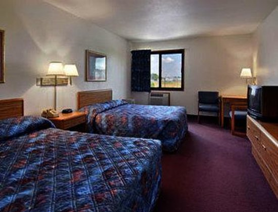 Super 8 Rice Lake: Standard Two Double Bed Room