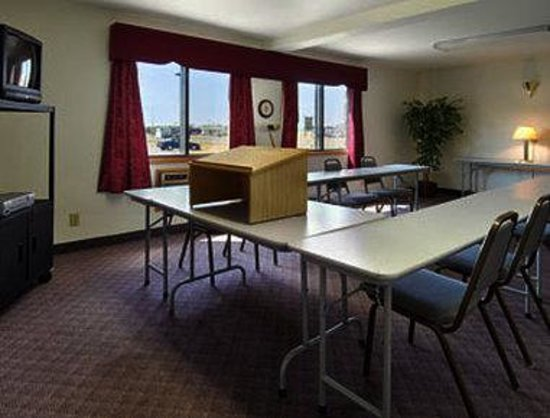 Super 8 Rice Lake: Meeting Room