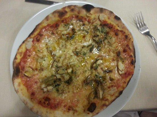 Pizzeria Trattoria Italia da Bruno: Pizza con funghi porcini freschi