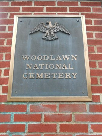 Woodlawn Cemetery of Elmira: entrance