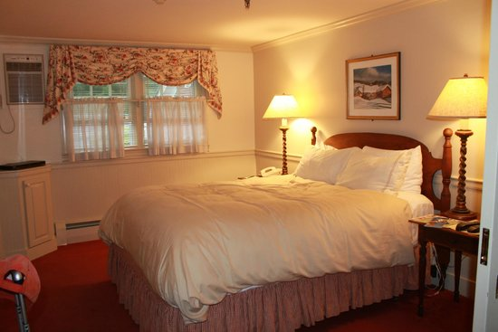 Green Mountain Inn : One of the two double beds in our room