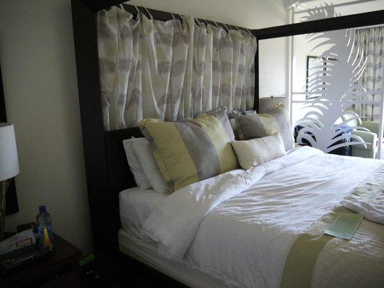Coconut Bay Beach Resort & Spa: $th Floor Concierge Suite
