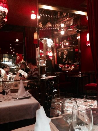 La Rotonde Montparnasse : Absolutely stunning atmosphere only topped by the truly amazing service