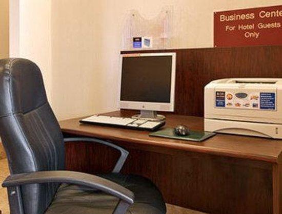 Ramada Batesville: Business Center