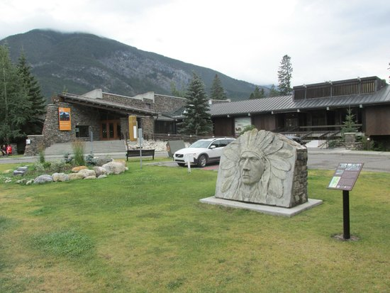 Whyte Museum of the Canadian Rockies: Exterior
