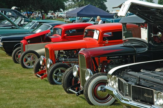 Gilmore Car Museum: Privately-owned vintage car show on the grounds