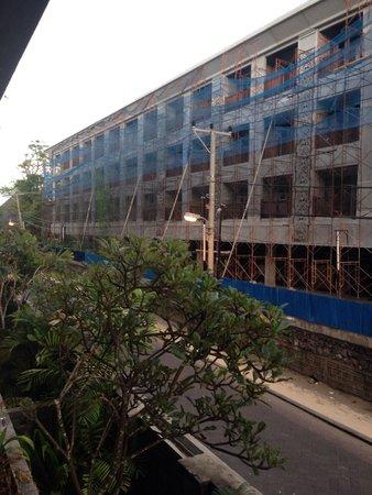 Sing Ken Ken Lifestyle Boutique Hotel : Вид с балконов