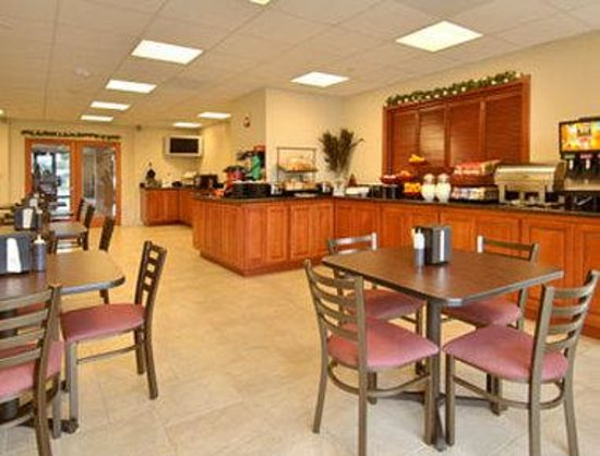 Ramada Marina: Breakfast Area
