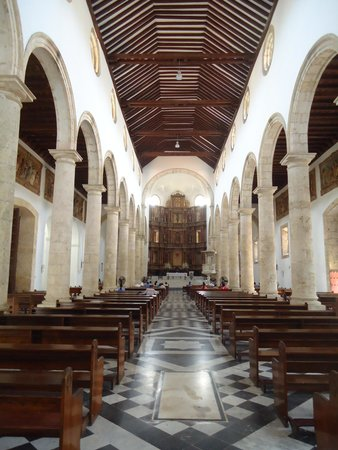St. Catherine of Alexandria Cathedral: Nave
