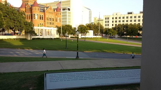 Dealey Plaza National Historic Landmark District: Looking across the road where President Kennedy was assassinated