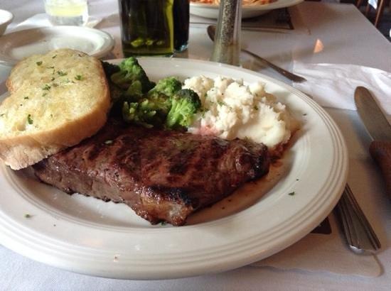 Fortuna's Restaurant & Banquets : стейк