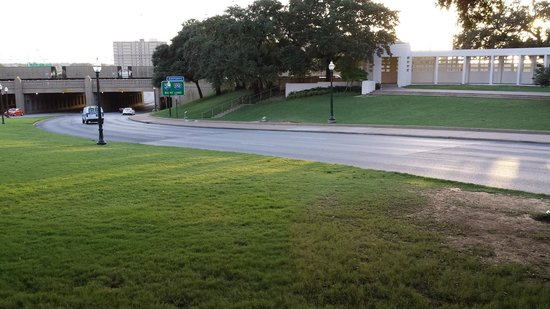 Dealey Plaza National Historic Landmark District: View down the looking across the road where President Kennedy was shot