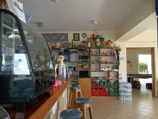 Luis Apartments : Bar area