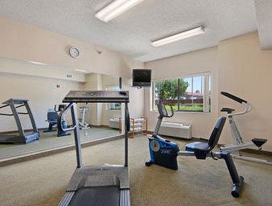 Days Inn And Suites Corpus Christi Central: Fitness Center