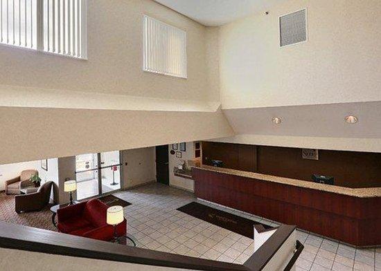 Sleep Inn & Suites, Green Bay Airport: WLobby