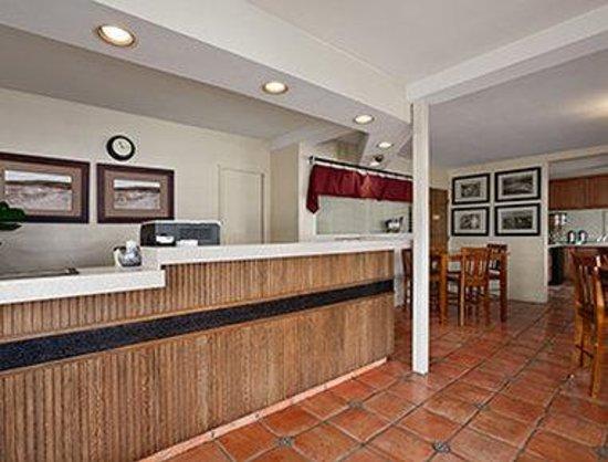 The Stevenson Monterey: Lobby