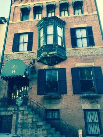 Foley House Inn : Entranceway