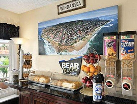 La Jolla Beach Travelodge : Breakfast Area