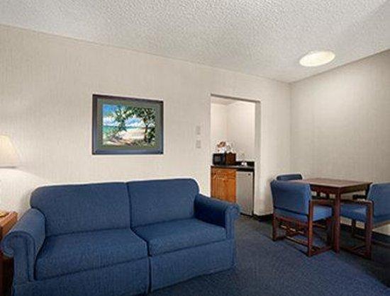 La Jolla Beach Travelodge : 2nd Suite