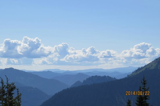 Mount Rainier : Cloud painting