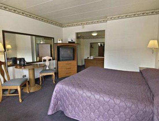 Travelodge Hot Springs AR : Standard King Bed Room