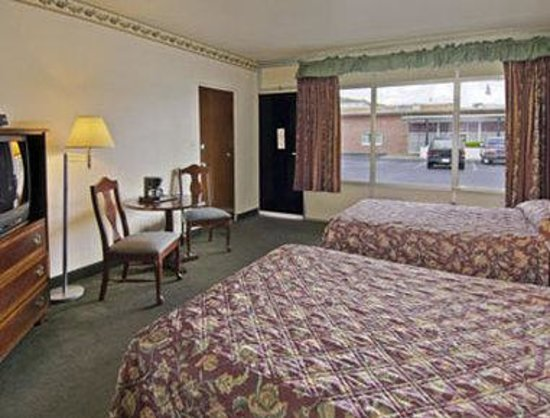 Travelodge Hot Springs AR: Standard Two Double Bed Room