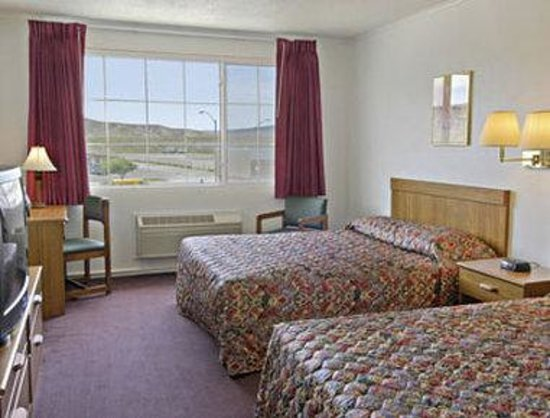 Travelodge Rawlins WY: Two Queen Guest Room