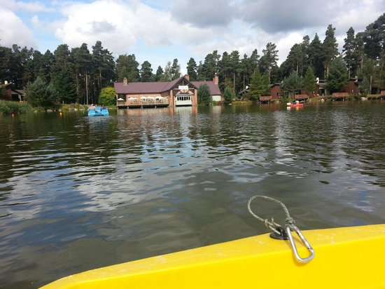 Center Parcs Whinfell Forest: Pedalo on the lake