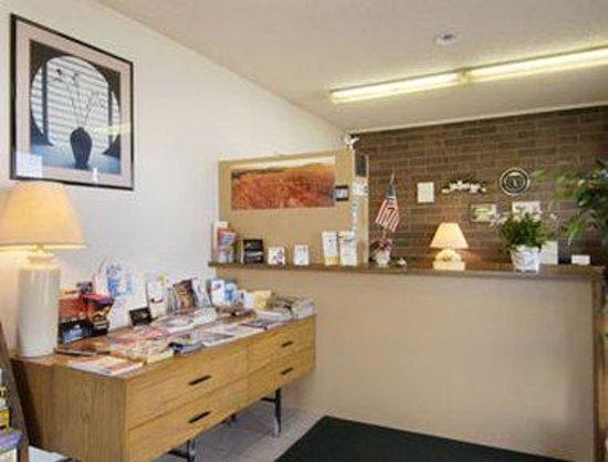 Cedar City Travelodge: Lobby