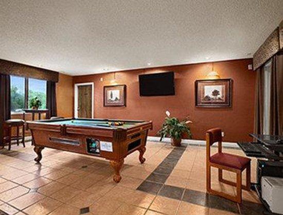 Travelodge Colorado Springs: Lobby