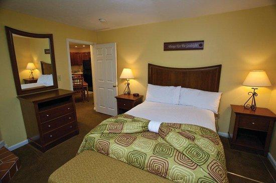 Francestown, NH: Suite Bedroom