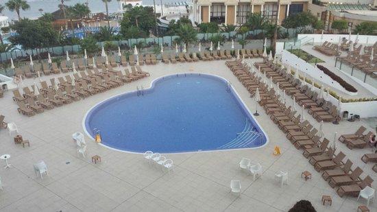 HOVIMA Costa Adeje: Heart Pool around 7am