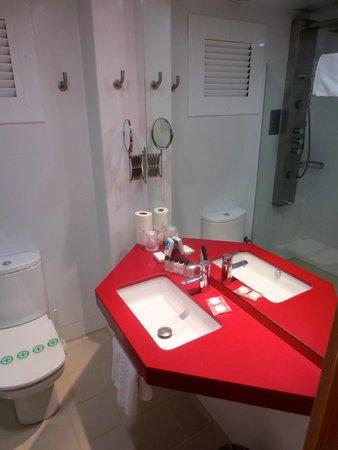 Hotel Platjador: Petite mais propre et équipée