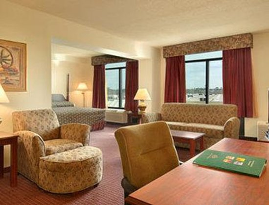 Wingate by Wyndham Biloxi / D'Iberville: Suite
