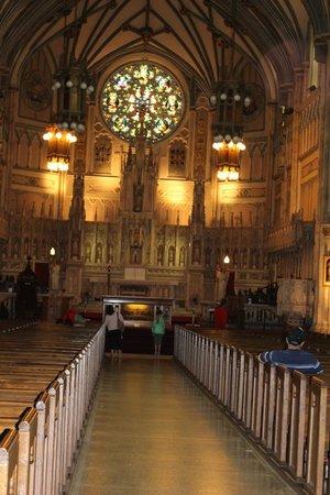 St. Dunstan's Basilica: Inside The Basilica
