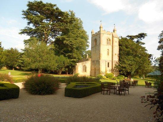 Ettington Park Hotel: Church ruins in the grounds