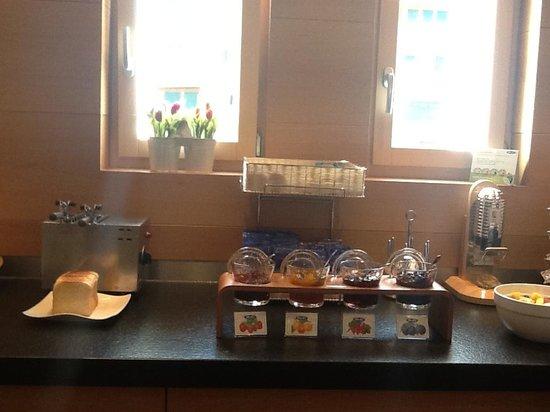 Hotel Aristella swissflair: Breakfast