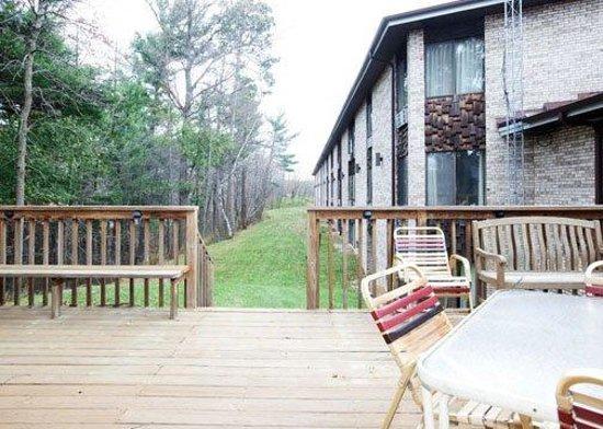 Econo Lodge Inn & Suites Stevens Point: WEconolodge Exterior