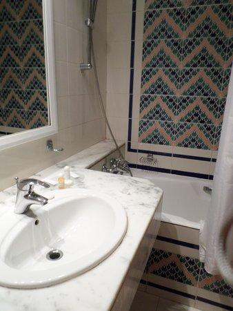 El Mouradi Palace : salle de bain
