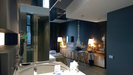 Hotel SB Plaza Europa : Nice suite with jacuzzi