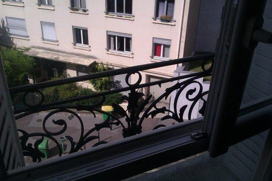 Arty Paris : .